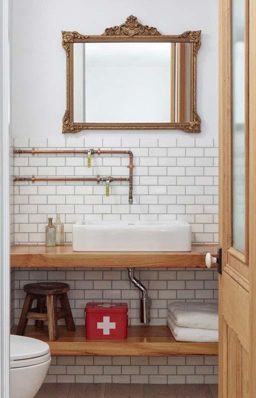 Espelho para banheiro com moldura vintage