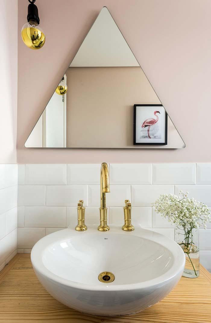 Espelho triangular