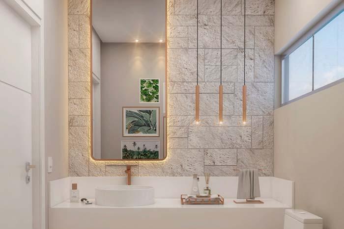 Espelho para banheiro com iluminação indireta