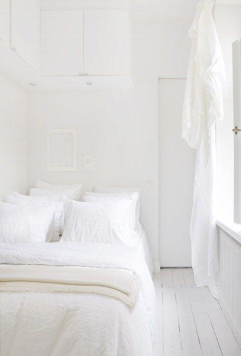 Branco do teto ao chão