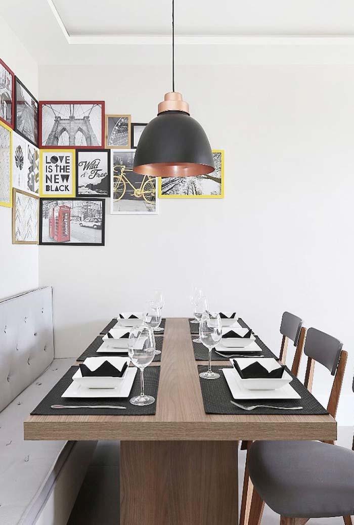 Decoração de sala de jantar com quadros