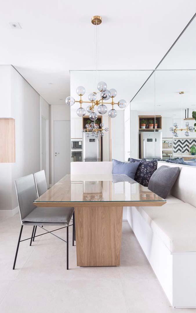 Mesa com tampo de vidro: elegância para a sala de jantar