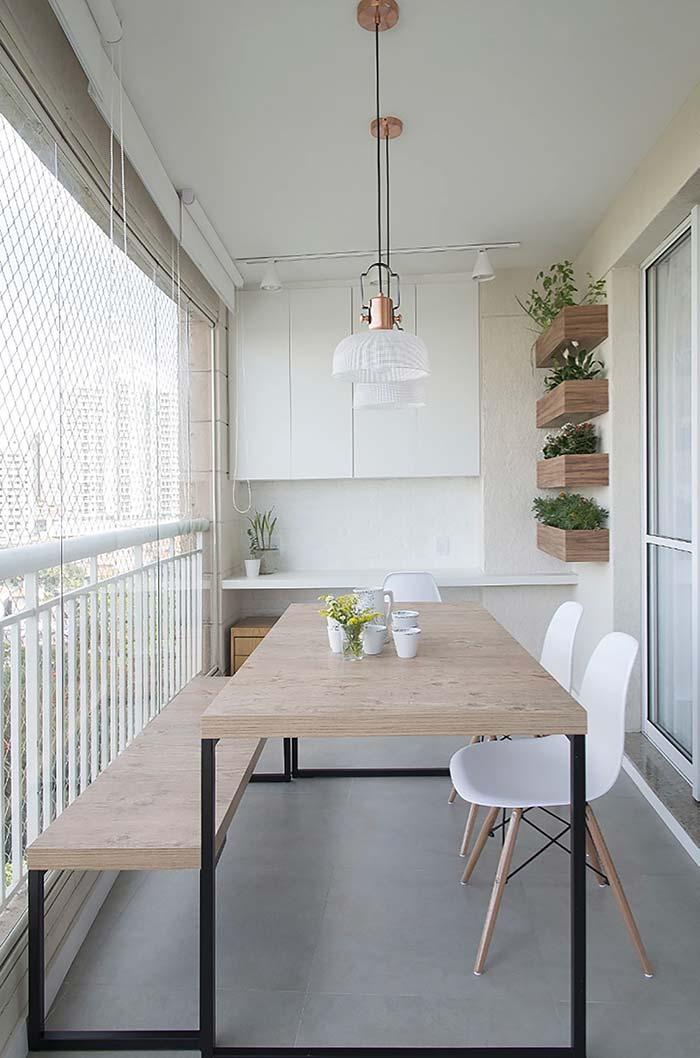 Decoração de sala de jantar com mesa retangular