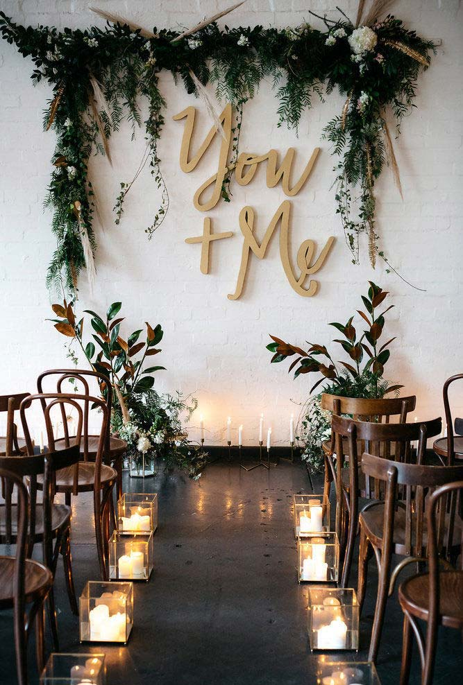 Mini wedding com direito à decoração com folhas naturais