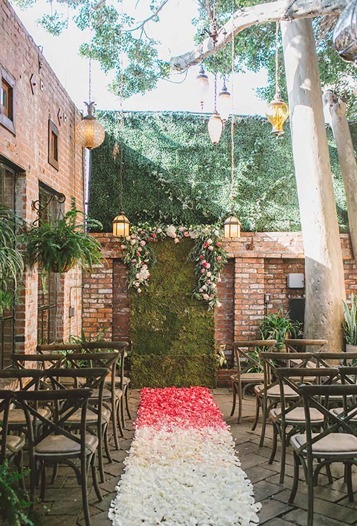 Natureza como a grande homenageada da cerimônia mini wedding