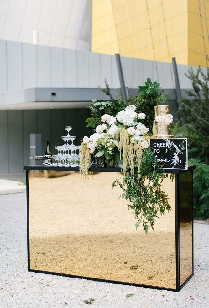 Bar espelhado no mini wedding