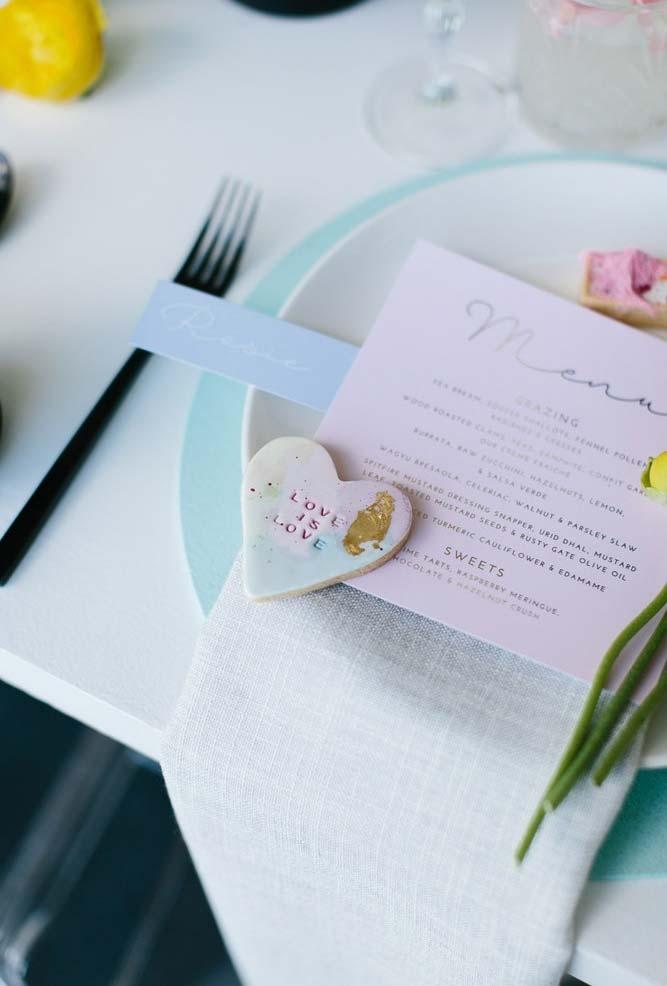 Chocolate branco no mini wedding