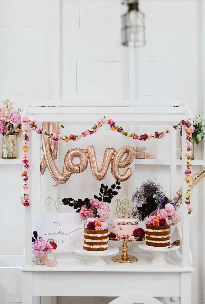 Garlands de flores no mini wedding