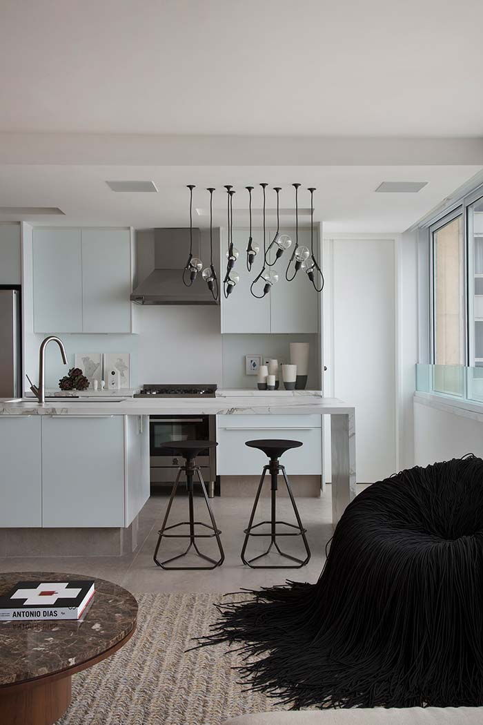 Lâmpadas de design diferenciado para decorar a cozinha