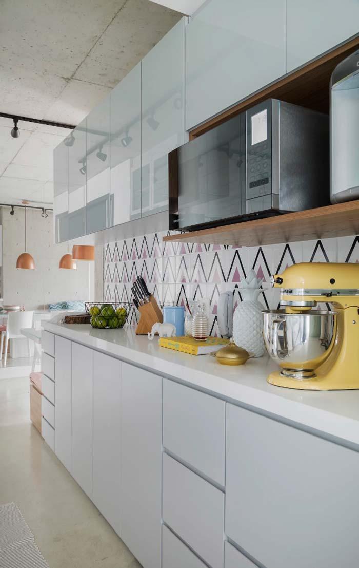 Cozinha decorada: eletros com proposta retrô