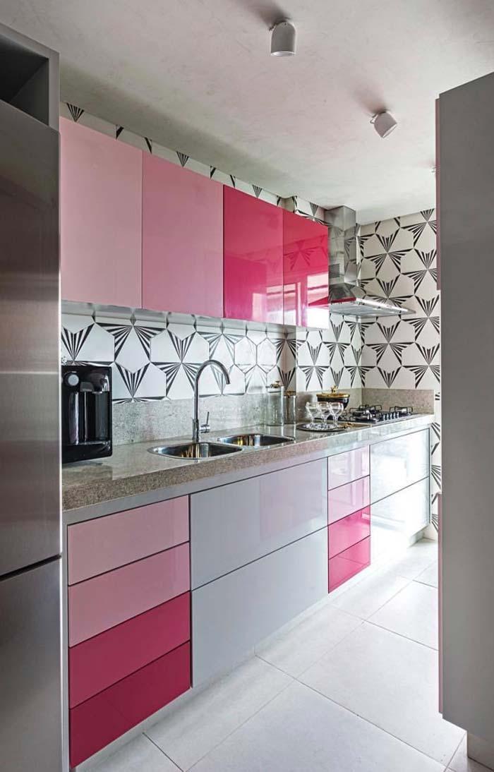 Armário em degradê de rosa na cozinha decorada