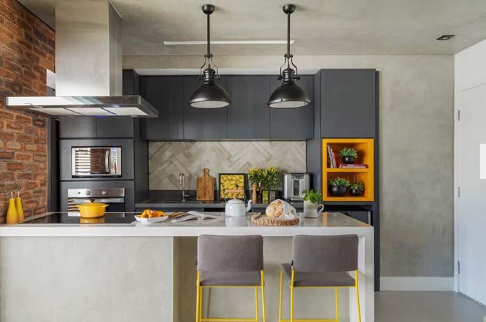 Cozinha decorada: amarelo é a cor do destaque e dos detalhes