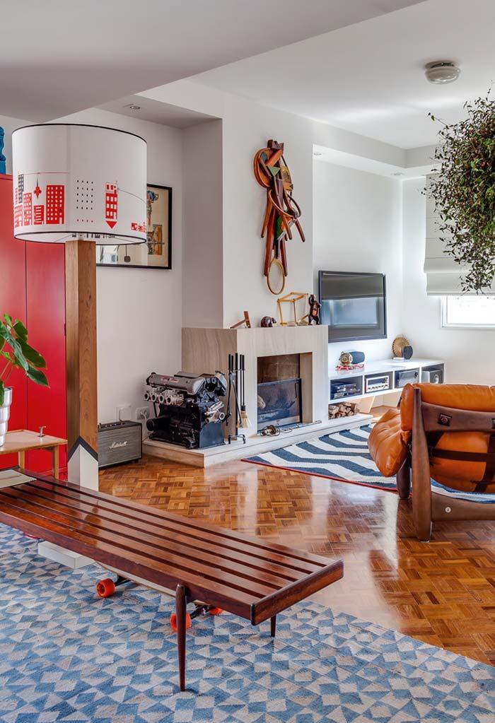 Sala de apartamento com decoração descontraída