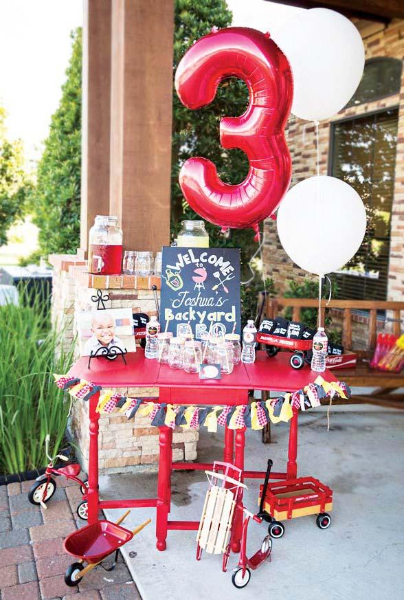 Churrasco também como uma boa configuração de festa de aniversário