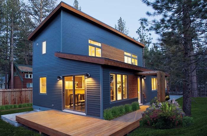 Casa pré-fabricada com dois pavimentos