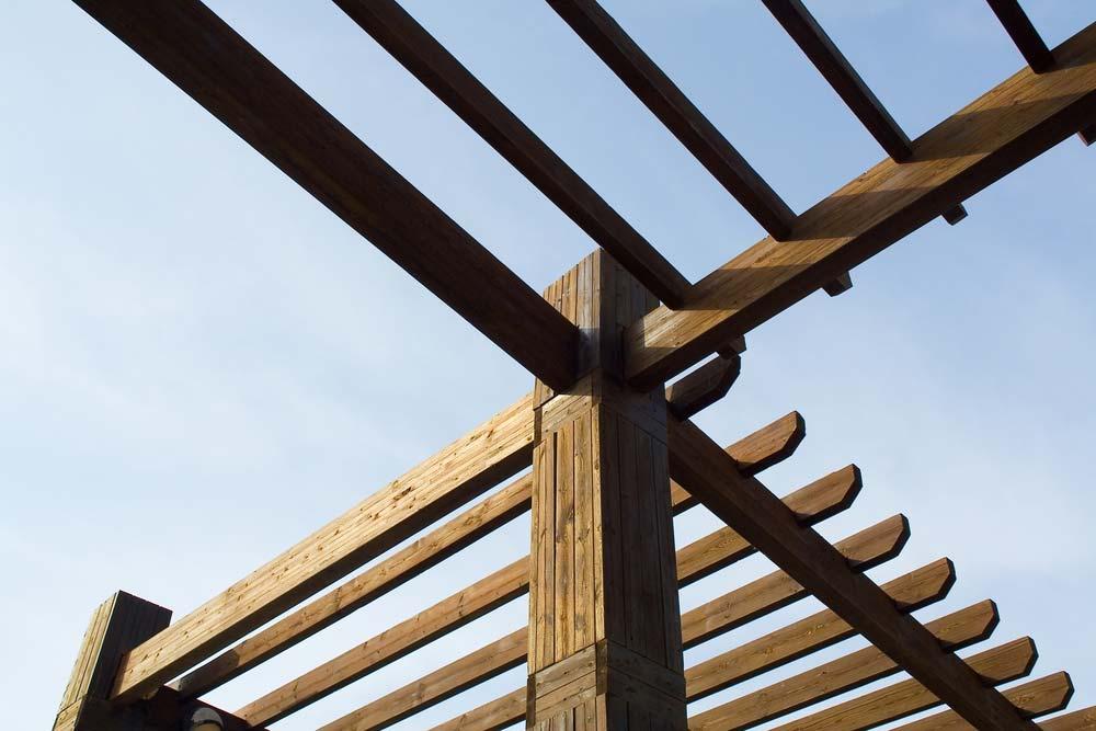Como fazer pergolado de madeira