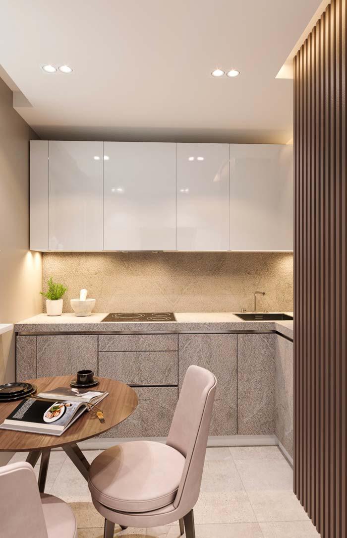 Cozinha se beneficia muito da iluminação indireta, pois ela valoriza os pratos