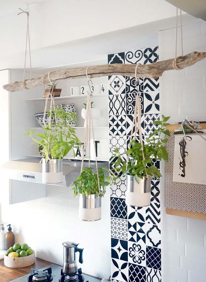 Horta vertical rústica e bem natural