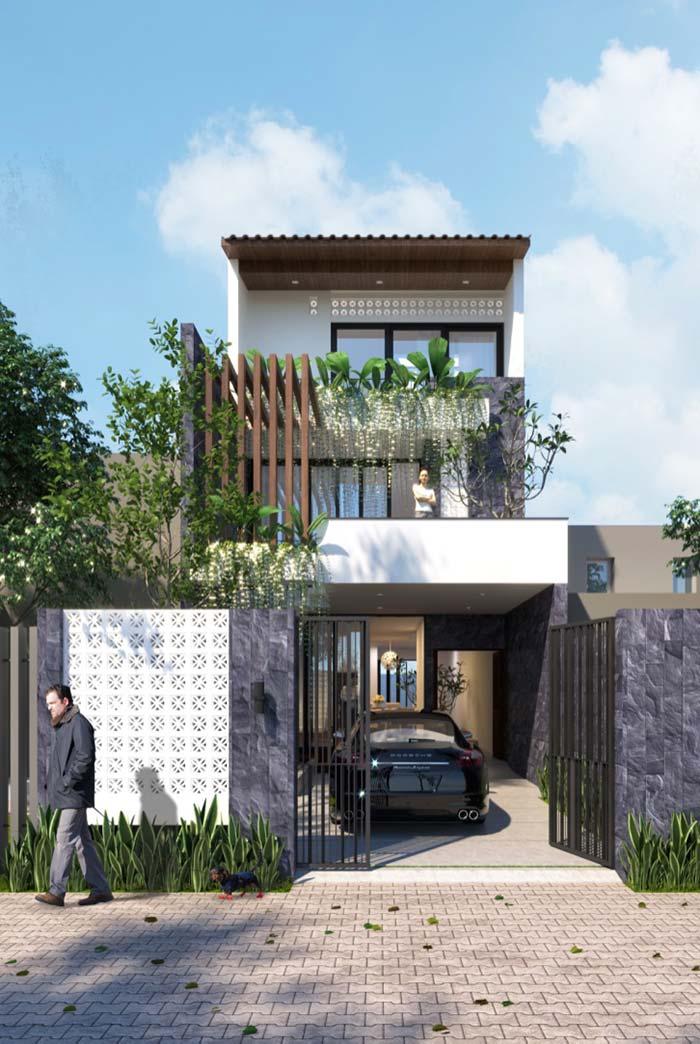 Modelo de casa de 3 andares com varandas