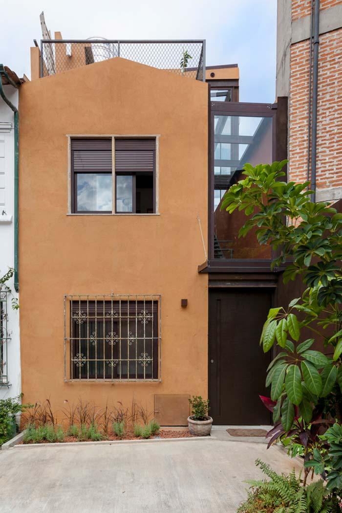 estilo rústico e retrô na fachada do modelo de casa