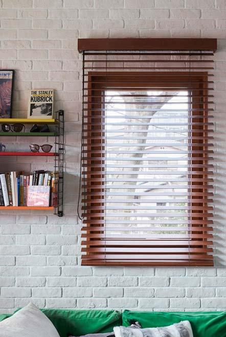 Unidade entre a janela e a persiana para sala
