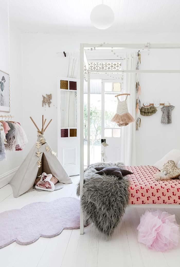 Decoração de quarto infantil feminino branco