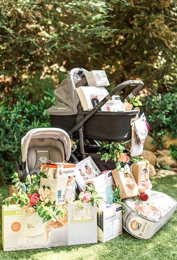 Decore seus presentes para as fotos com um toque da natureza em folhas e flores