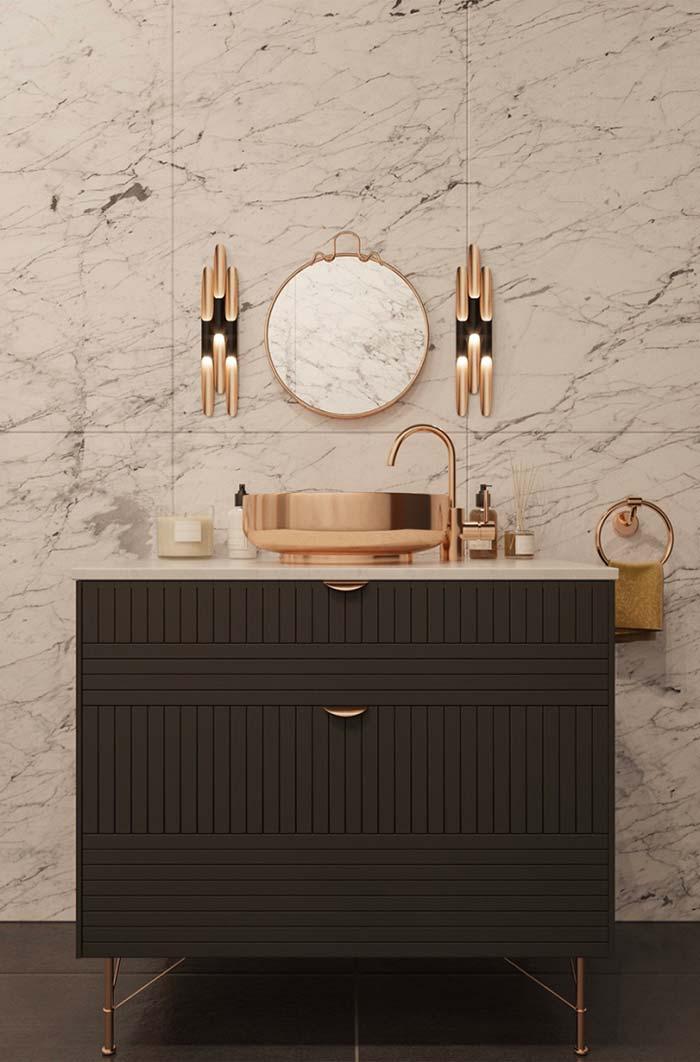 Toda a imponência do Mármore Carrara na decoração do banheiro