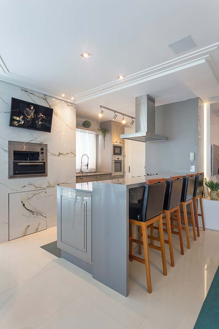 Parede da cozinha em mármore branco Calacatta