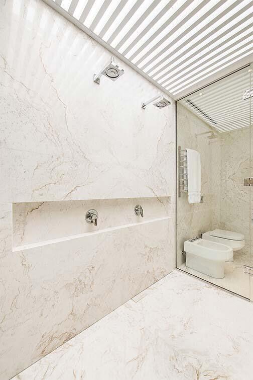 Marmore Paraná em todo o banheiro