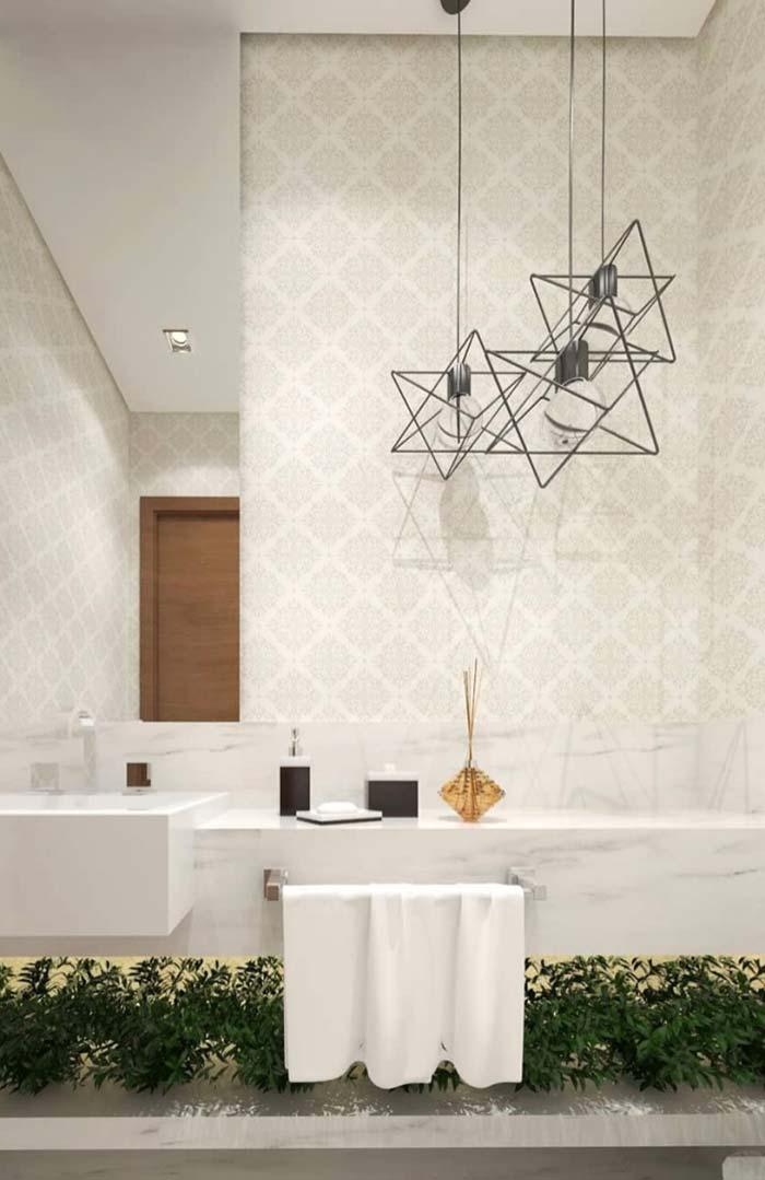 Banheiro elegante com mármore branco