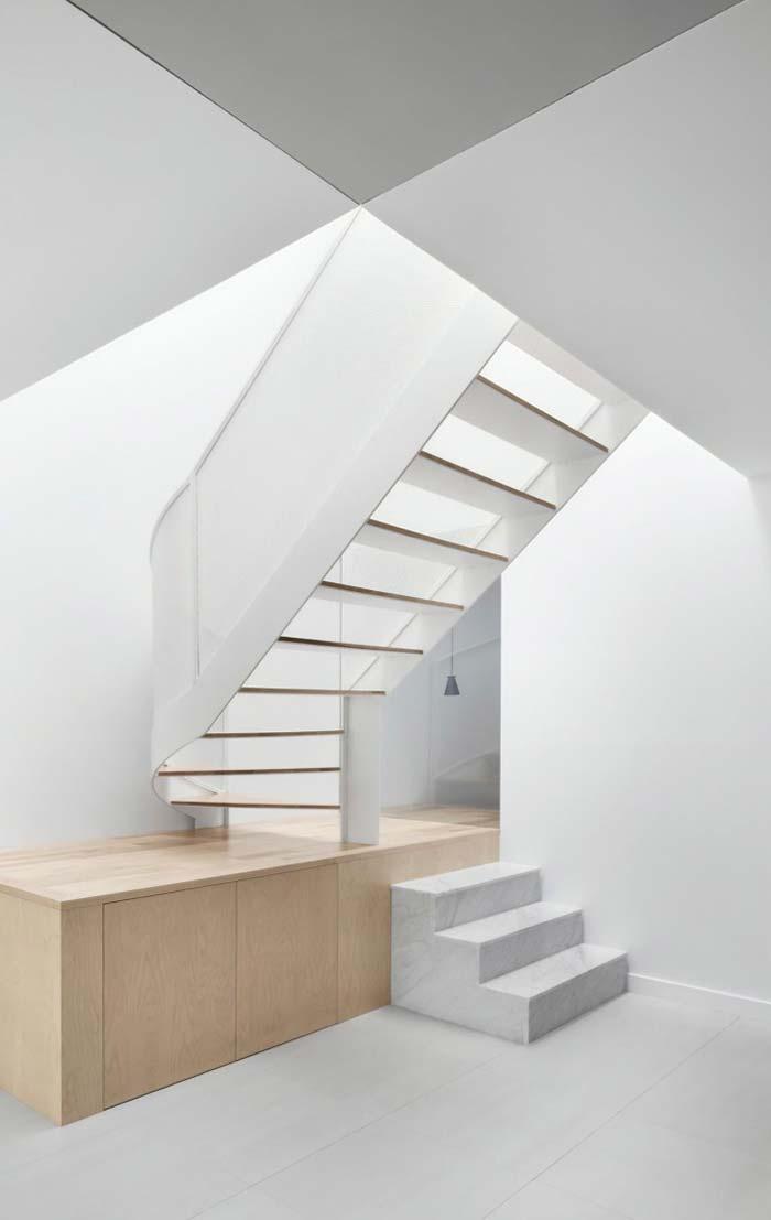 Projeto de escada com mármore Sivec