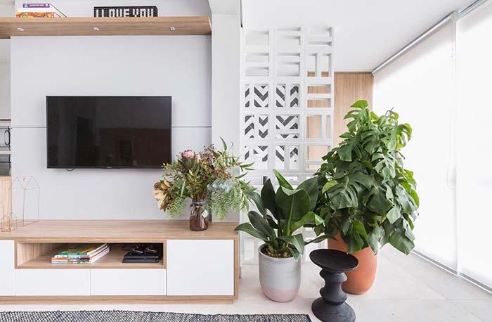TV na parede da sala