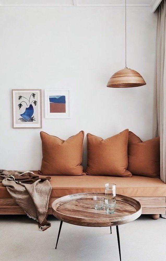 Sofá cama em tom de cobre