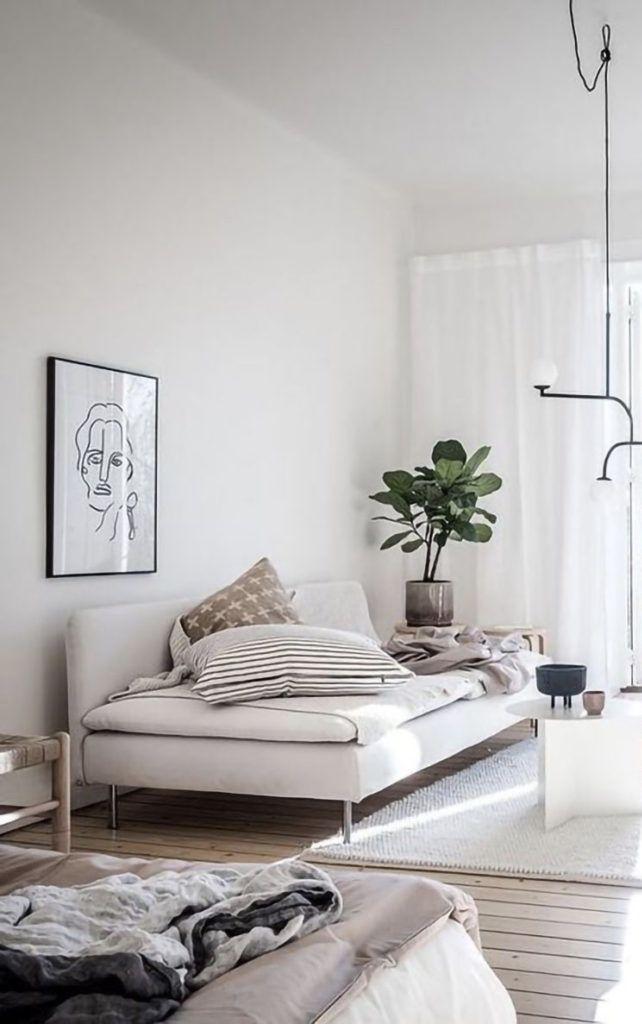 Modelo de sofá com pés de metal