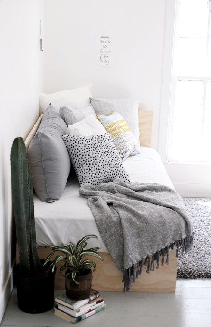 Modelo de sofá com almofadas