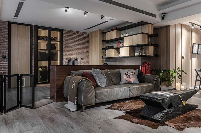 Sofá de couro de dois lugares