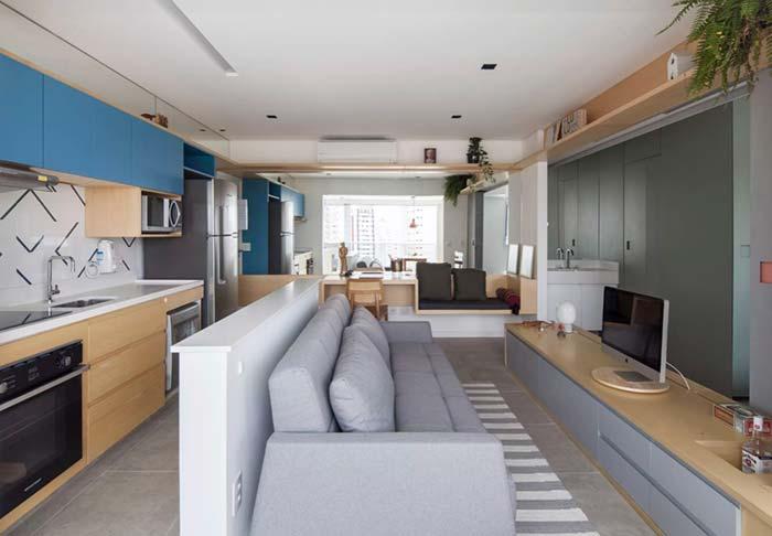Decoração de apartamento pequeno com móveis mais estreitos