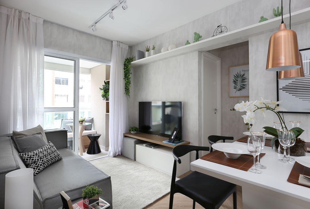 Cinza, preto e branco na decoração de apartamento pequeno