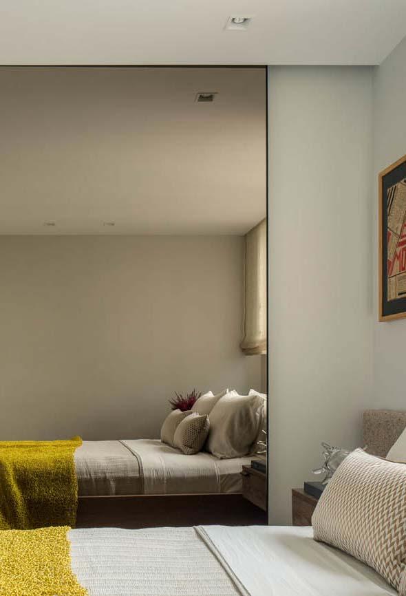Espelho para quarto lateral ilusionista