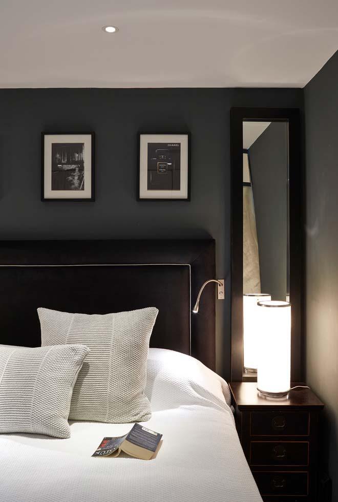 Espelho para quarto na lateral da cama