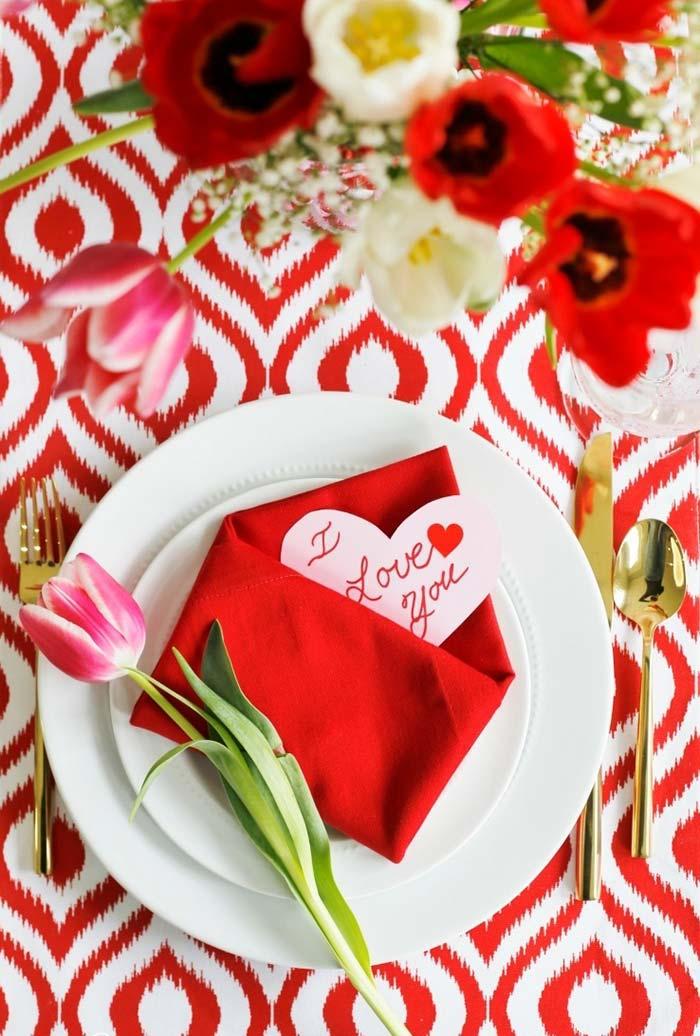 Guardanapo envelope com mensagem especial para o seu amor