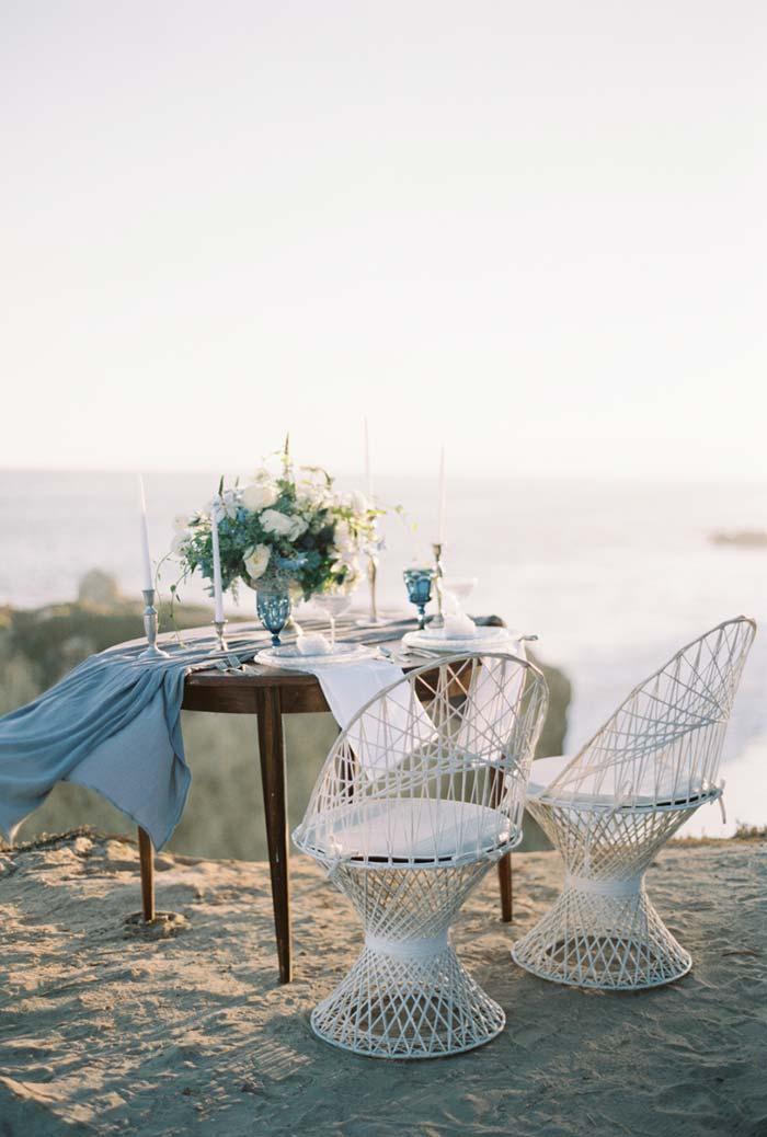 Jantar romântico na montanha / ao ar livre