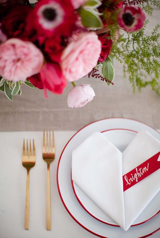 Guardanapo de tecido inspirado no clima de romance para jantar romântico