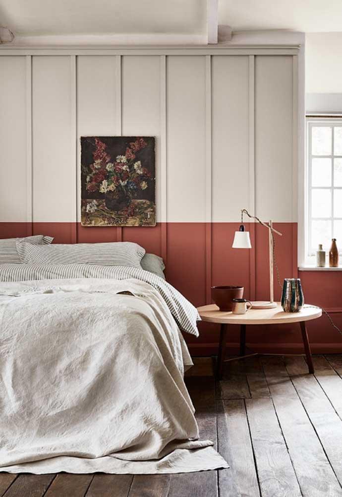 Que tal pintar a parede do quarto com as cores vermelha e branca?