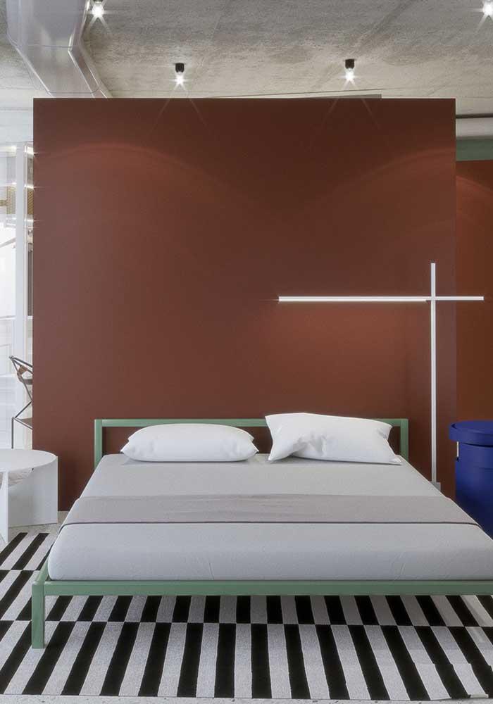 Você pode decorar o quarto com diferentes tons de vermelho.