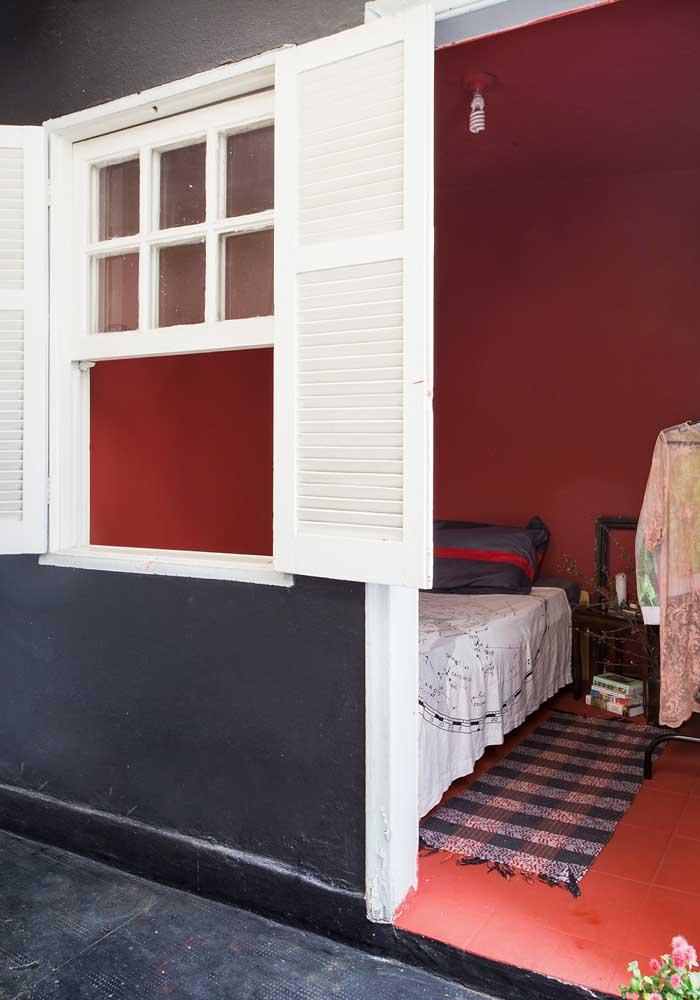 Você pode usar a cor vermelha com diferentes cores quando for decorar o quarto.
