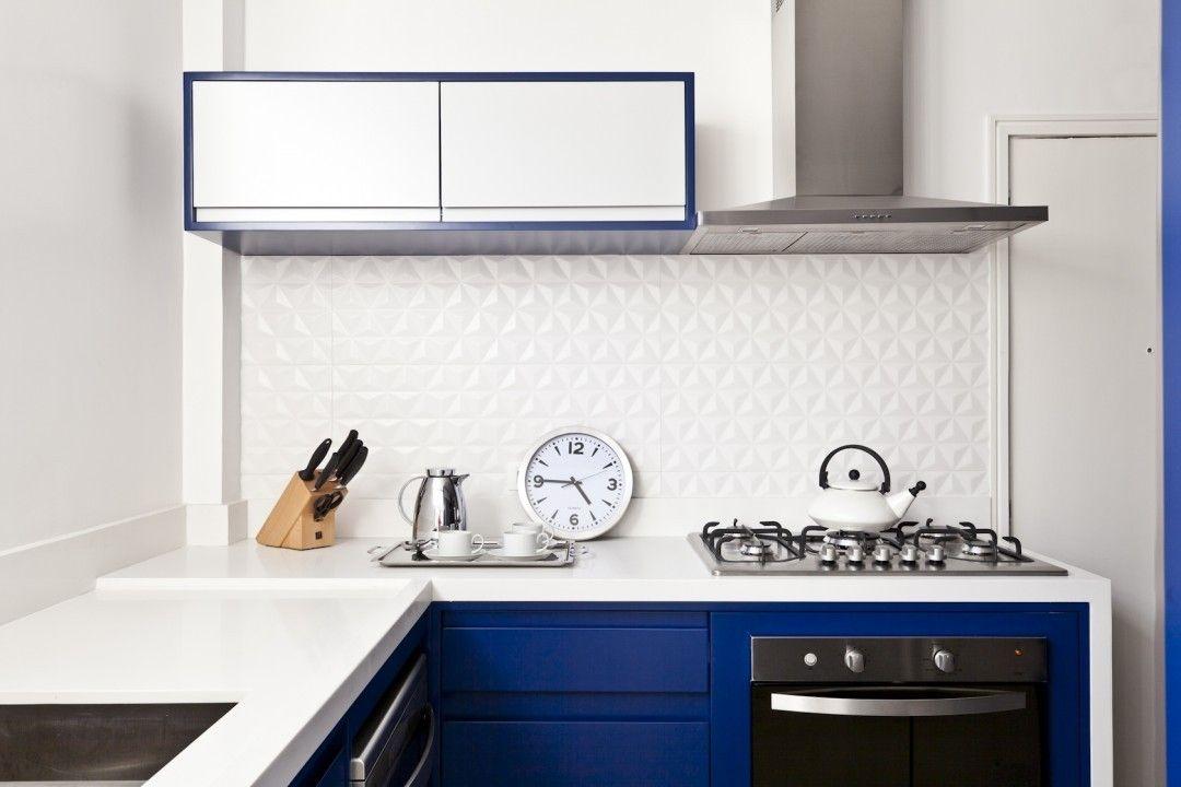Cozinha com azul royal