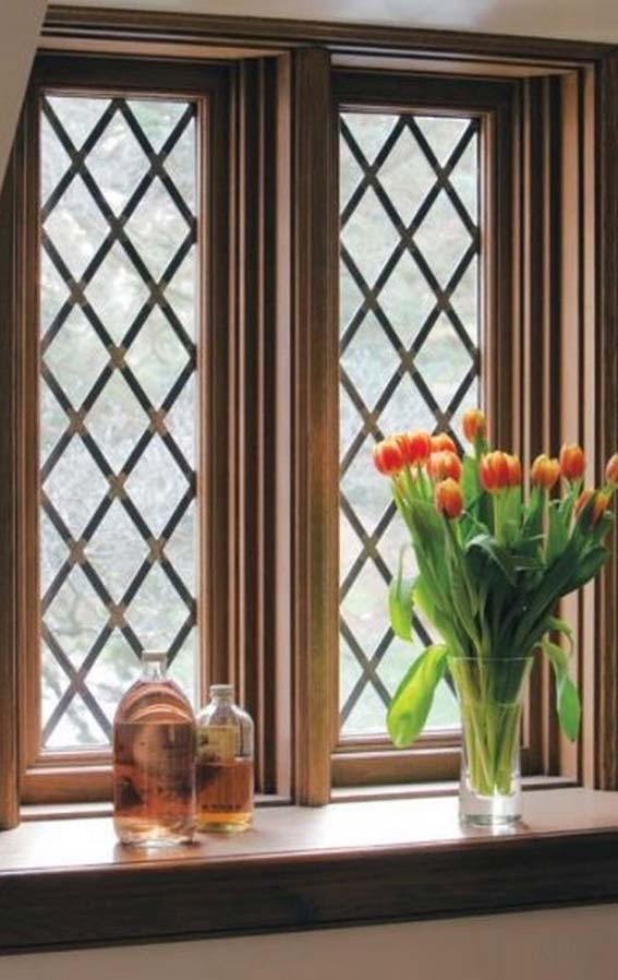 Pequenos losangos formam a grade para janela