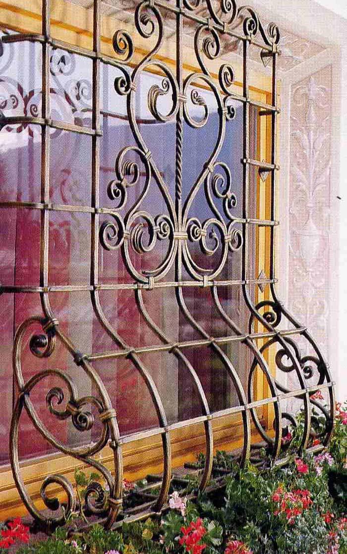 Grade para janela romântica e retrô